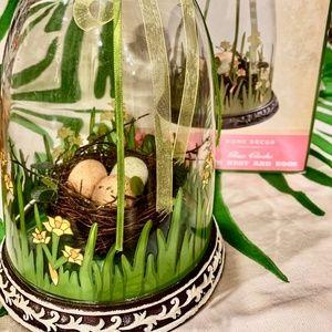 NIB Cracker Barrel Glass Cloche with Nest & Eggs